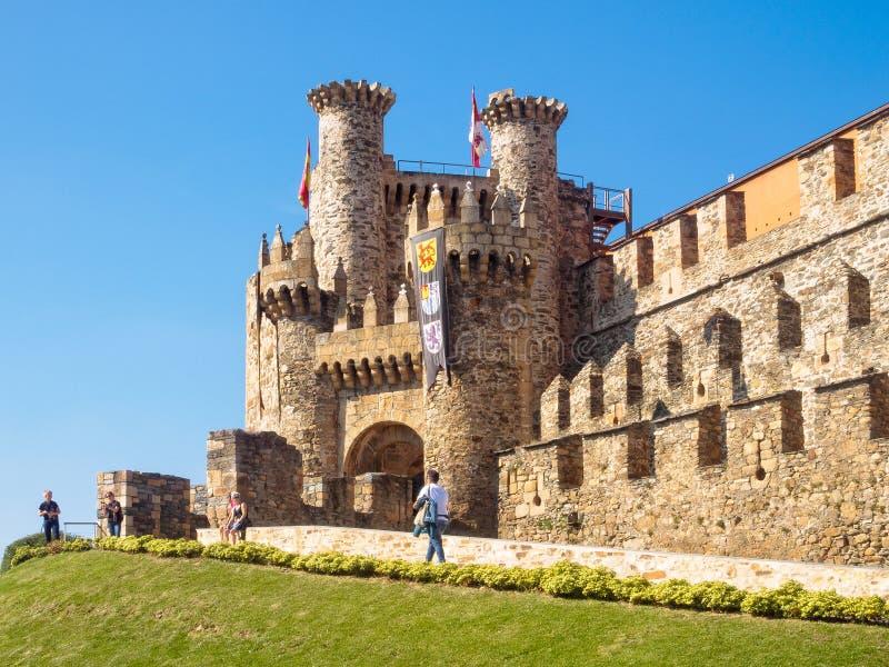 Templar slott - Ponferrada arkivbilder