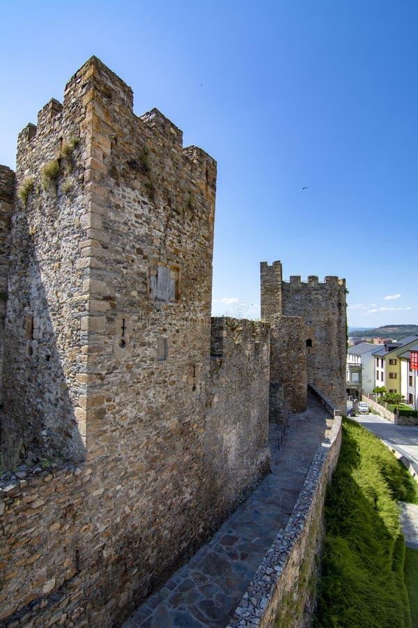 Templarium slott, Ponferrada, Santiago Road, Spanien royaltyfri fotografi