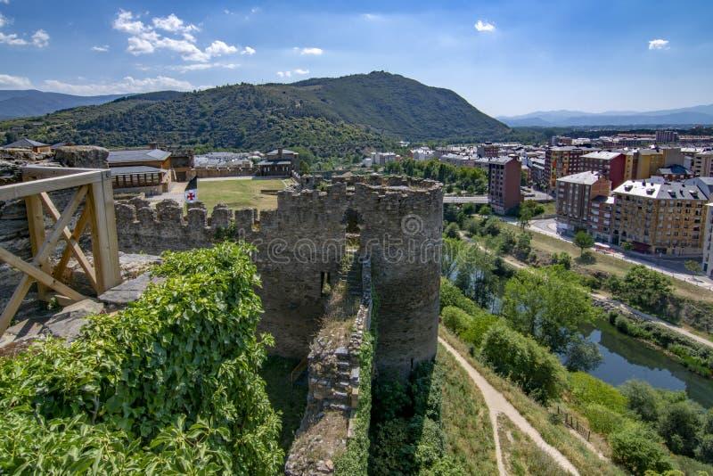 Templarium slott, Ponferrada, Santiago Road, Spanien royaltyfri bild