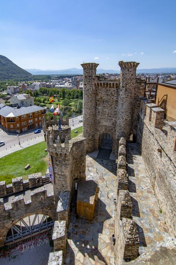 Templarium slott, Ponferrada, Santiago Road, Spanien royaltyfria foton