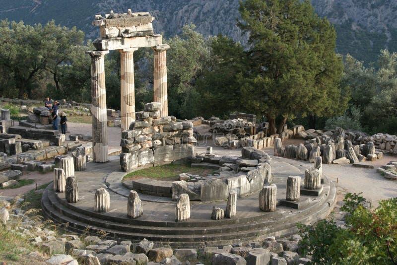 Temple à Delphes images libres de droits