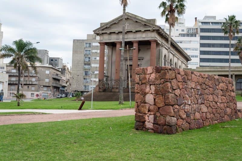 Temple anglais antique et premier à Montevideo photos stock