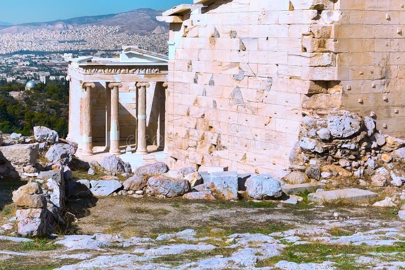 Temple antique d'Athena Nike dans l'Acropole, Athènes image stock