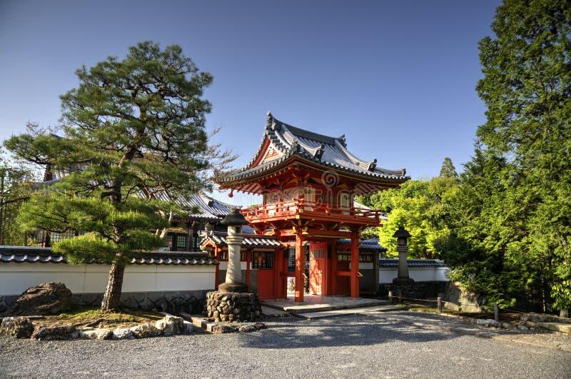 Temple bouddhiste dans la ville de Tajimi, Japon photographie stock