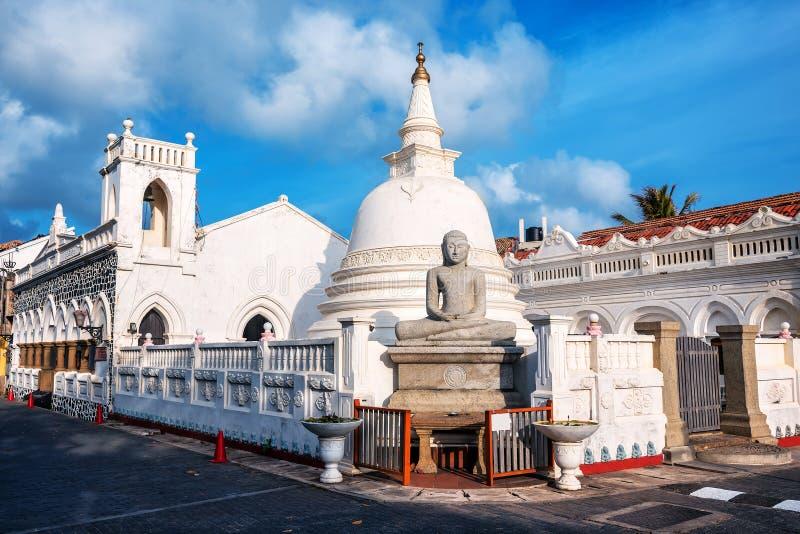 Temple bouddhiste sur le Sri Lanka photos stock
