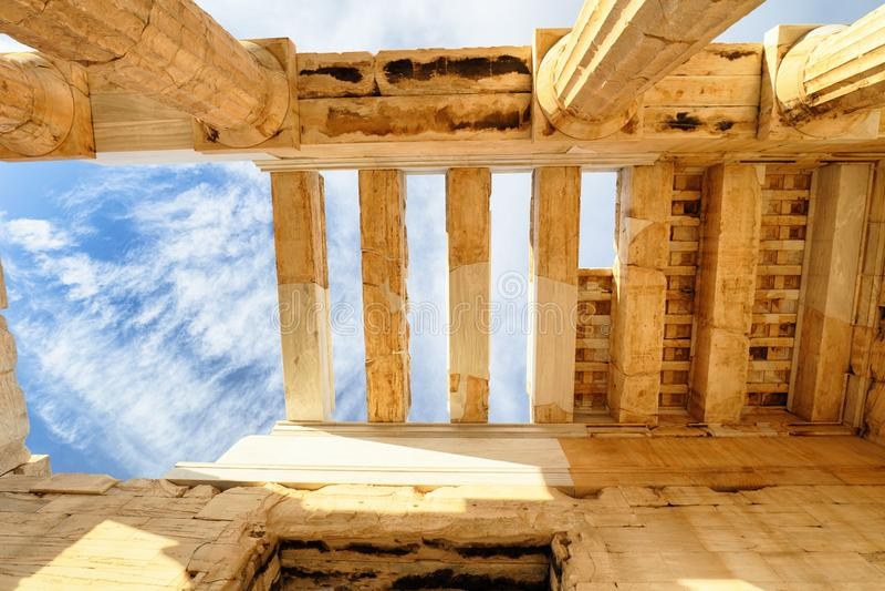 Temple d'Acropole de ruines d'Athena Nike Propylaea Ancient Entrance Gateway Ath?nes - Gr?ce, personne photos stock