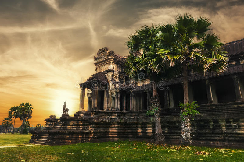 Temple d'Angkor Thom au coucher du soleil Angkor Wat, Cambodge photographie stock
