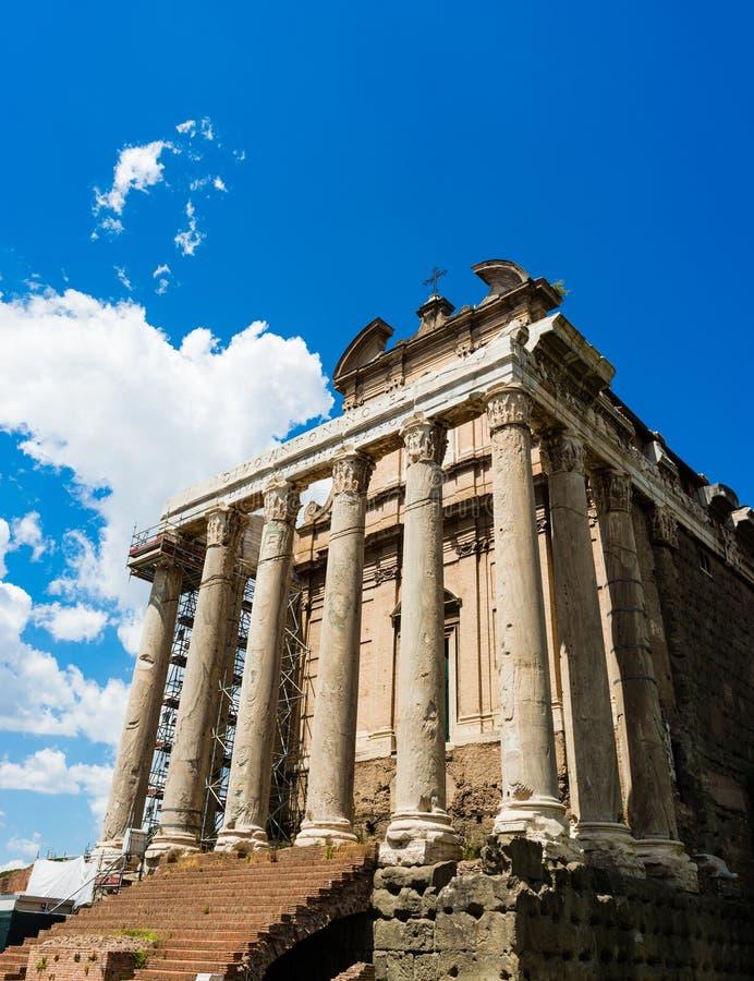 Temple d'Antoninus image libre de droits