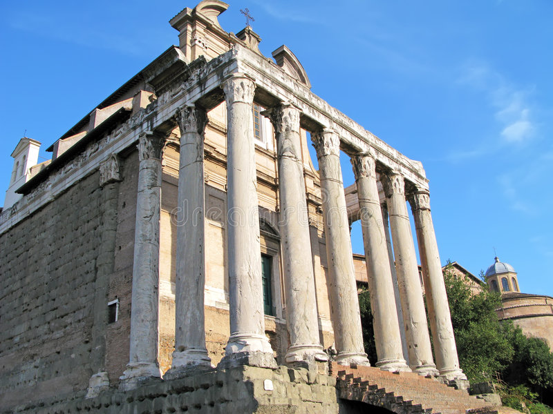 Temple d'Antoninus et de Faustina photo stock