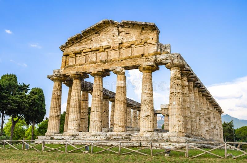 Temple d'Athéna chez Paestum en Italie image stock