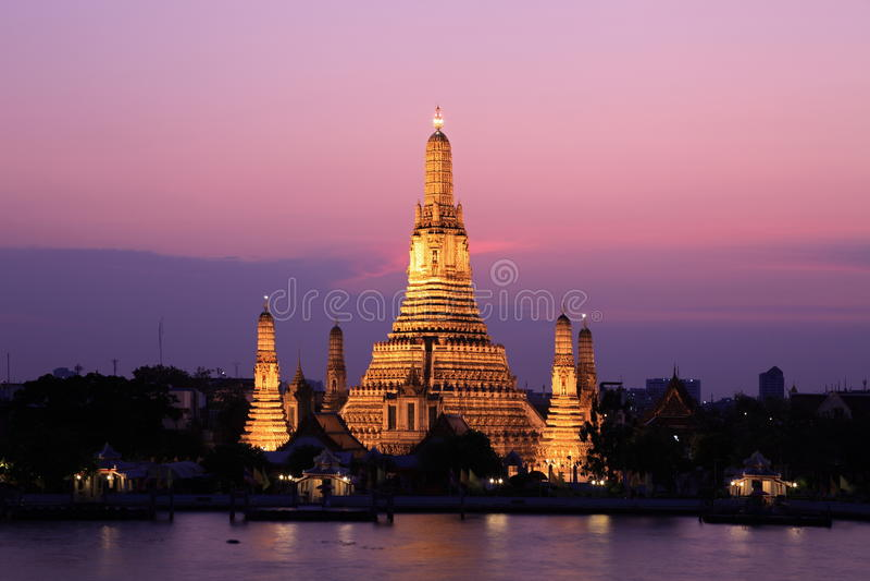 Temple d'aube photo libre de droits