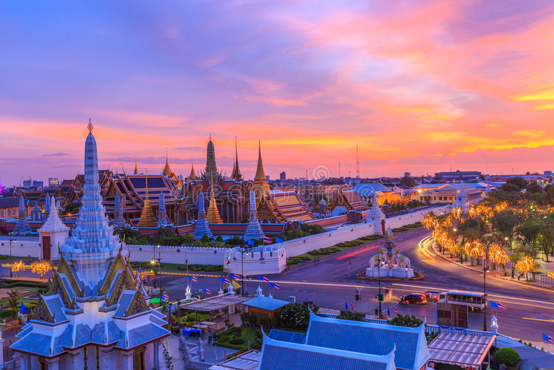 Temple d'Emerald Buddha ou de Wat Phra Kaew, palais grand, Bangkok, Thaïlande images libres de droits