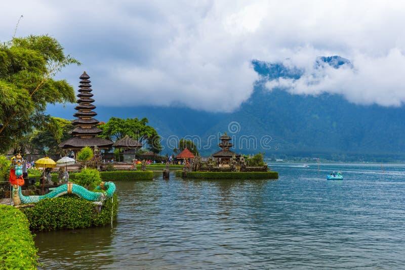 Temple d'Ulun Danu - île Indonésie de Bali photo libre de droits