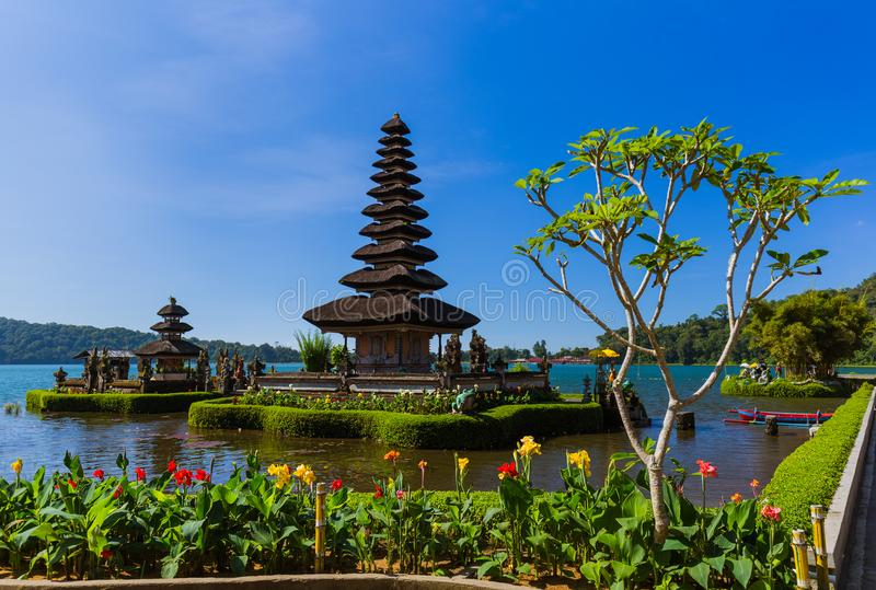 Temple d'Ulun Danu - île Indonésie de Bali photos stock