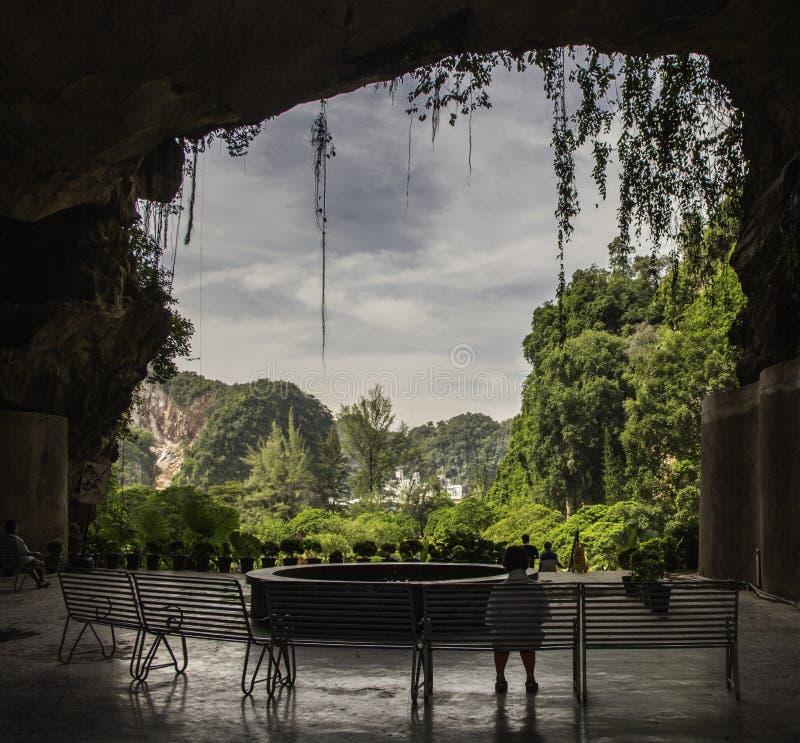 Temple dans une caverne photos libres de droits
