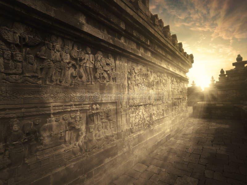 Temple de Borobudur au temps de coucher du soleil photos libres de droits