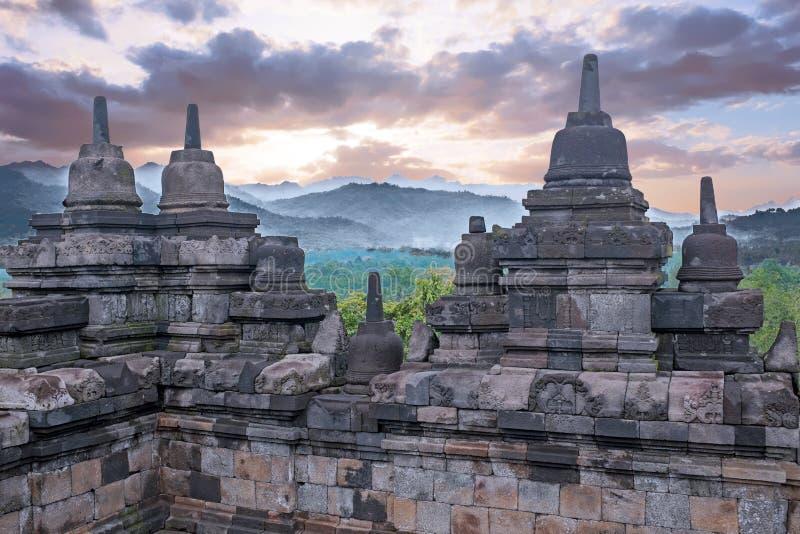 Temple de Borobudur dans Java-Centrale en Indonésie Ce Buddh célèbre photos stock