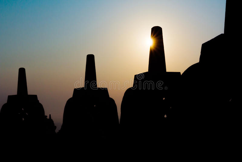 Temple de Borobudur de silhouette, Yogyakarta, Java, Indonésie images libres de droits