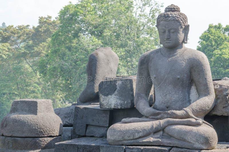 Temple de Borobudur de statue de Bouddha à Yogyakarta, Java, Indonésie photos stock