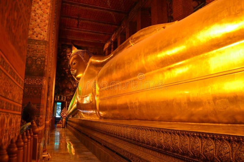 Temple de Bouddha étendu photographie stock libre de droits