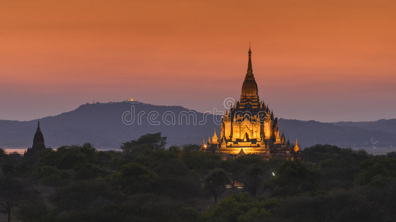 Temple de Gawdawpalin dans Bagan, Myanmar photo stock