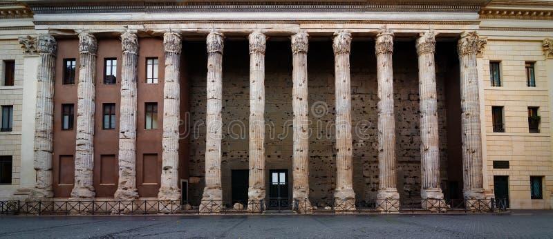 Temple de hadrian images stock