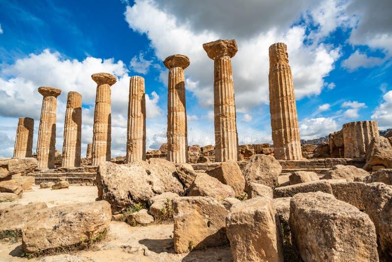 Temple de Heracles dans la vall?e des temples, Agrigente, Sicile, Italie photographie stock libre de droits