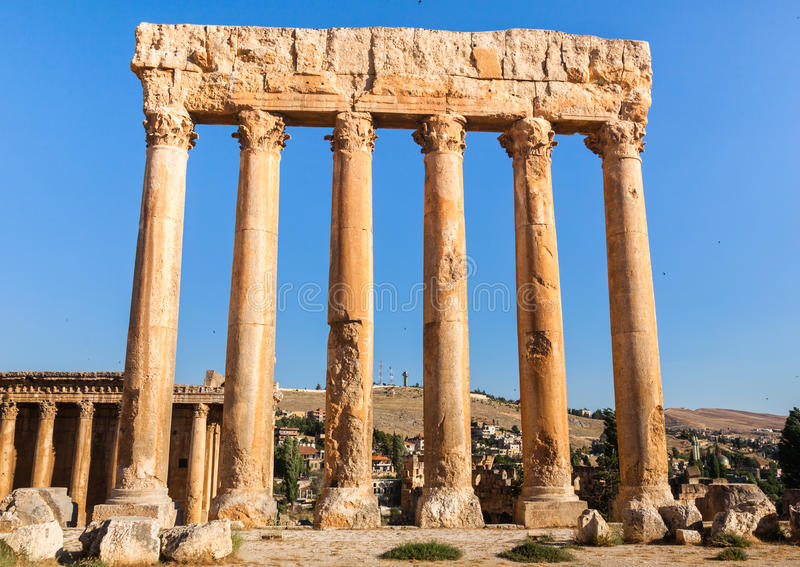 Temple de Jupiter dans des ruines romaines antiques de Baalbek, Bekaa Valley du Liban photographie stock