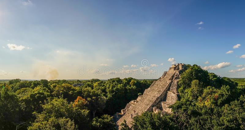 Temple de Maya de Becan dans le Yucatan, Mexique photo stock