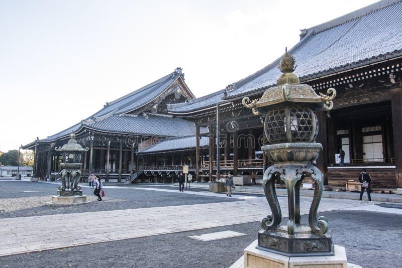 Temple de Nishi Hongan-JI - un temple de Shinto au centre de Kyoto - Honshu - le Japon photo stock