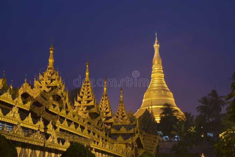 Temple de Paya de pagoda de Shwedagon images libres de droits