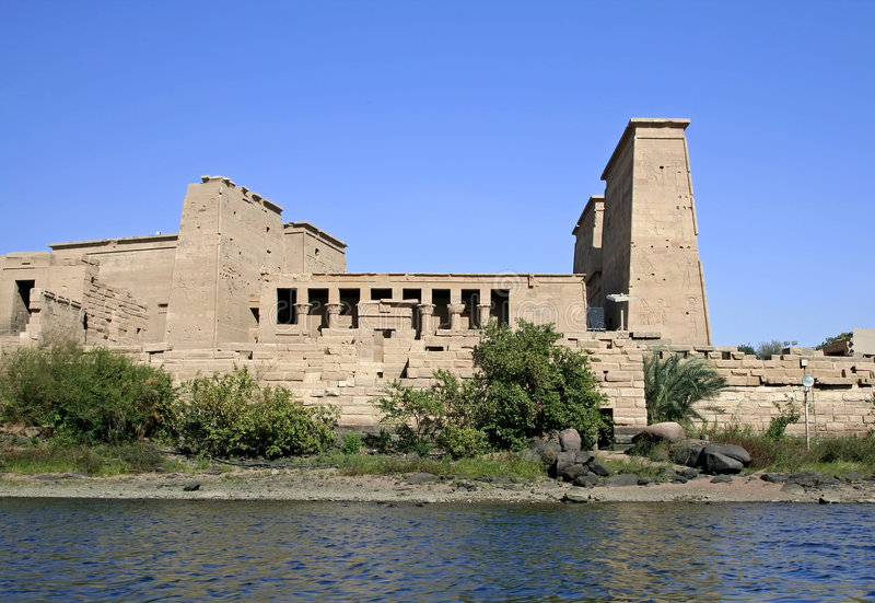 Download Temple de Philae image stock. Image du religion, île, implorer - 725657