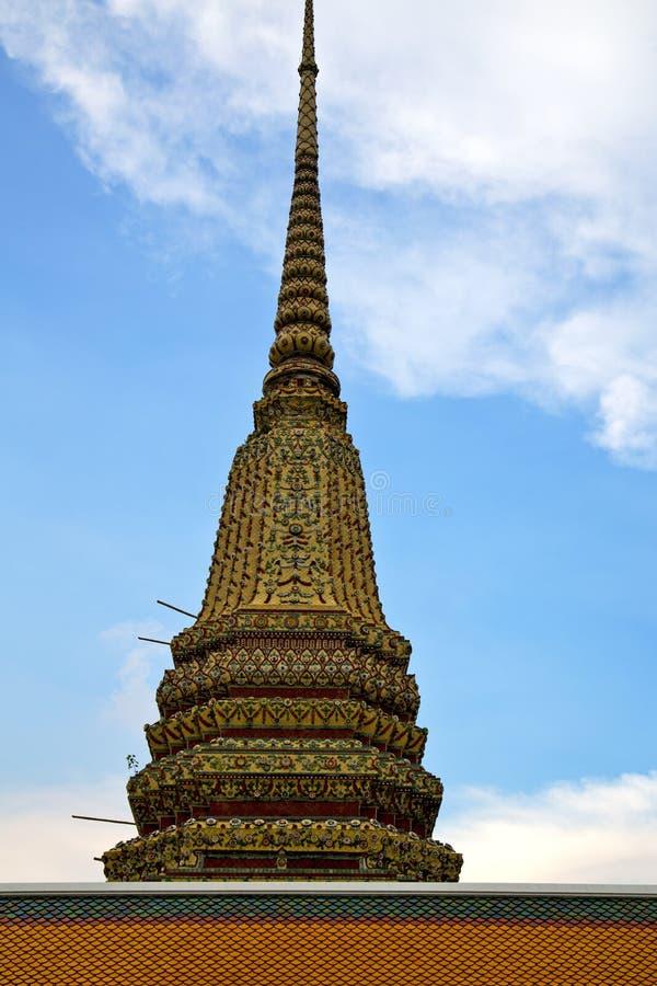 temple de pluie de la Thaïlande Bangkok et mosa de religion de couleurs photos libres de droits