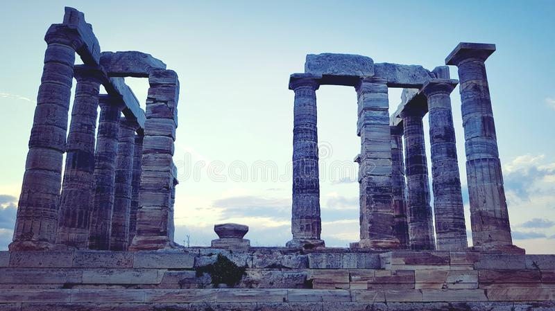 Temple de Poseidon sur le cap Sounion photo stock