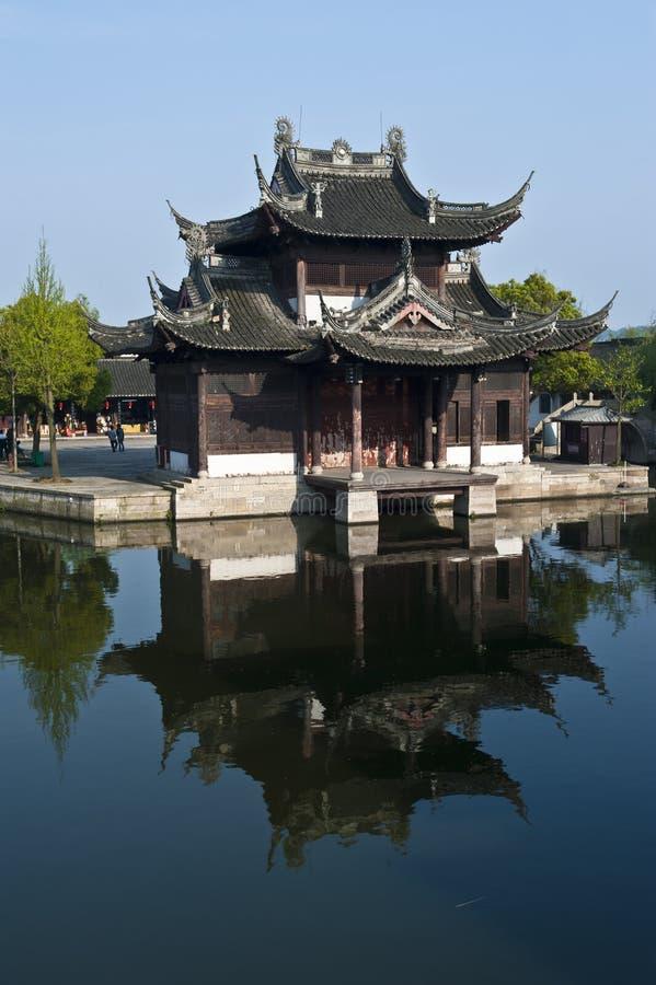 Temple de rivière image stock