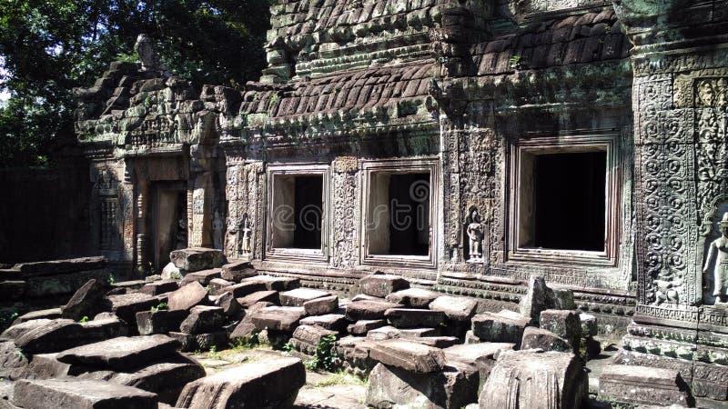 Download Temple De Siem Reap Cambodge Avec Les Roches En Baisse Image stock - Image du landmark, extérieur: 76078033