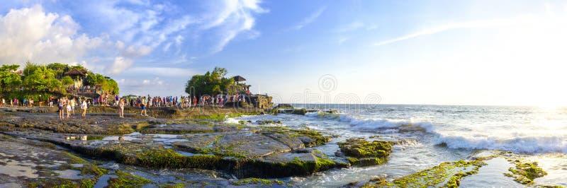 Temple de sort de Tanah dans Bali photo stock