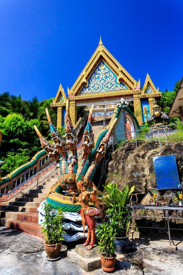 Temple de Wat Khao Rang au matin ensoleillé Phuket thailand photo stock
