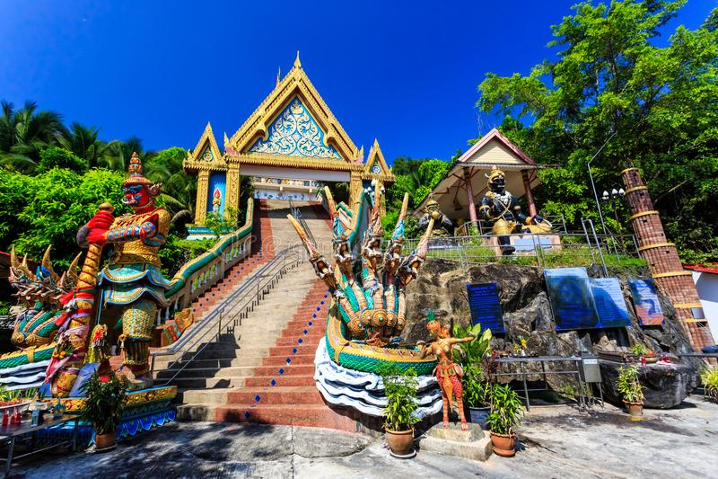 Temple de Wat Khao Rang au matin ensoleillé Phuket thailand images libres de droits