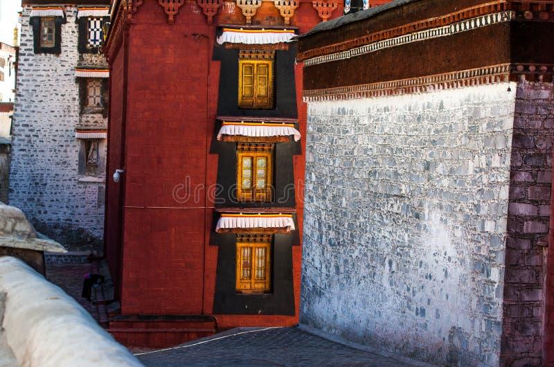 Temple de Zhashilunbu, Thibet, Chine photographie stock libre de droits