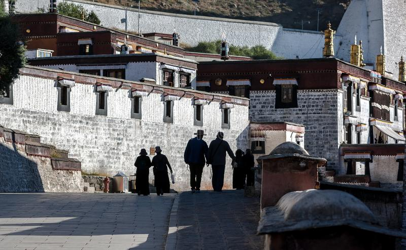 Temple de Zhashilunbu, Thibet, Chine image stock