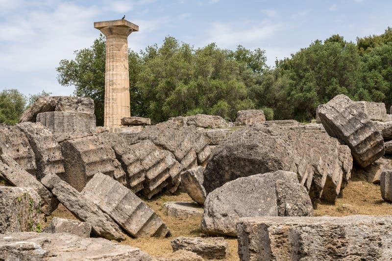 Temple effondré de Zeus au site des premiers Jeux Olympiques à Olympia en Grèce photographie stock libre de droits
