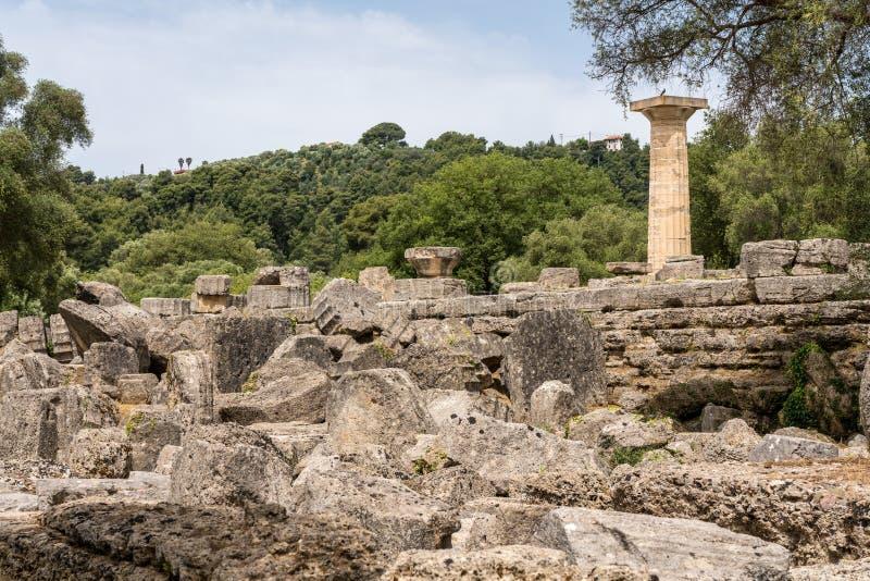 Temple effondré de Zeus au site des premiers Jeux Olympiques à Olympia en Grèce images stock