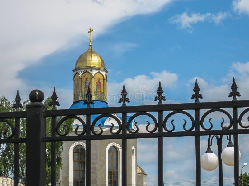 Temple en l'honneur de la mère du ` de Bush brûlant de ` de Dieu dans la ville de Dyadkovo, région de Bryansk de la Russie image stock