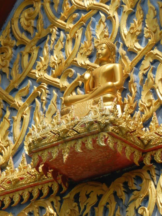 Temple et architecture thaïlandaise en Thaïlande photo libre de droits
