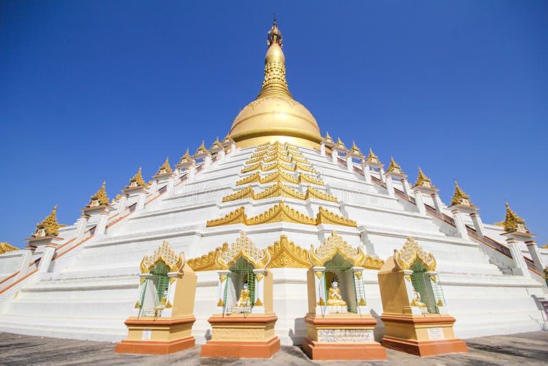 Temple et pagoda dans Bago, Myanmar images stock