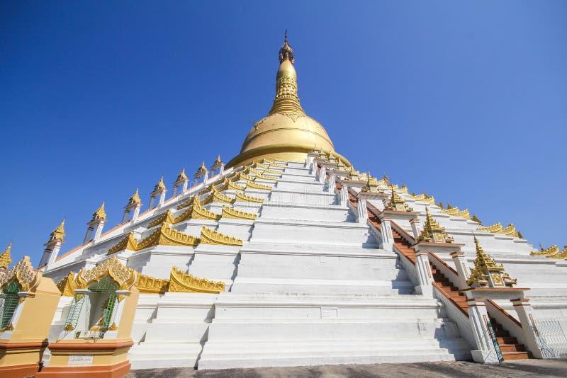 Temple et pagoda dans Bago, Myanmar photographie stock libre de droits