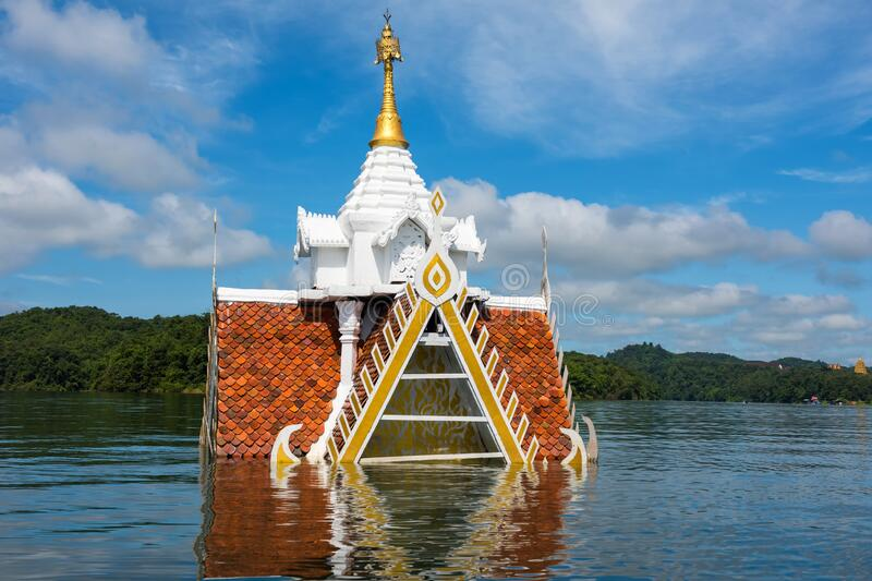 temple flooded by river, Sangkhlaburi stock image