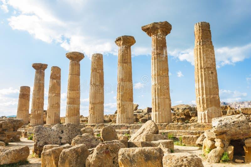 Temple grec sur l'île de la Sicile photographie stock