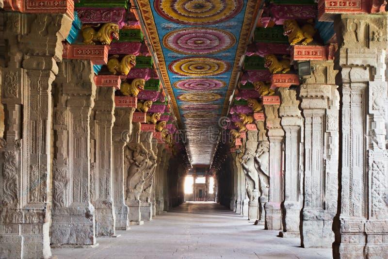 Temple intérieur de Meenakshi images stock
